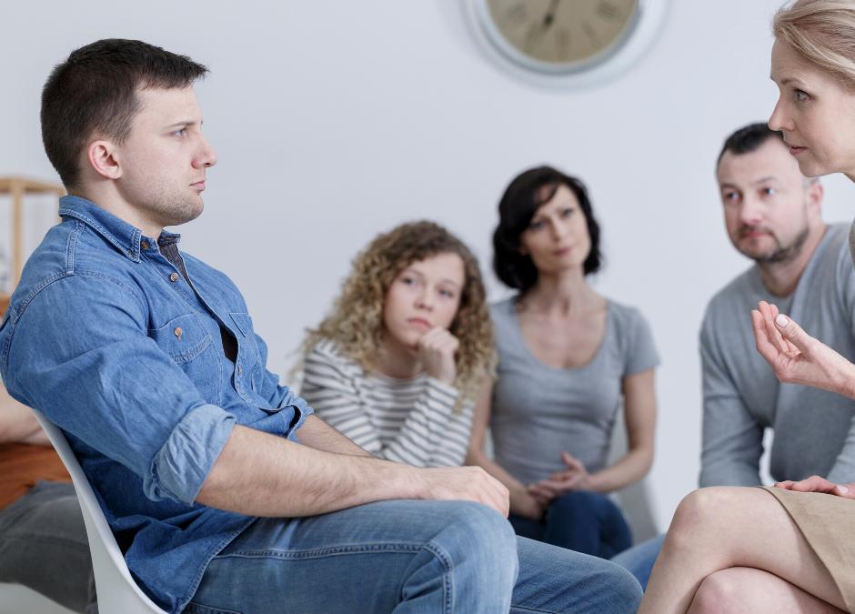 Familieterapi er løsning på genopbygning af en svær relation, hvor tilliden er væk.