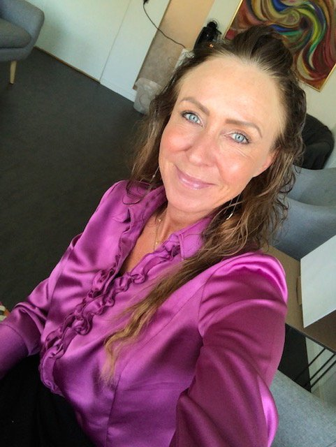 Familien S – forældre og voksne døtre deler deres udbytte af familie terapiforløb ved Hanne Kirkegaard